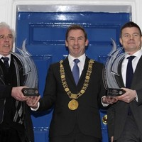 """""""Both inspirational leaders"""": Brian O'Driscoll & Fr Peter McVerry receive the 'Freedom of Dublin'"""