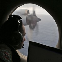 New floating objects spotted in hunt for missing Malaysia flight