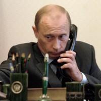 Vladimir Putin has called Barack Obama to talk about a Ukraine solution