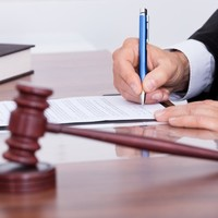 Judge apologises over Muslim remark