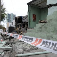 Offshore 7.6 earthquake hits Chile, sparking tsunami warning