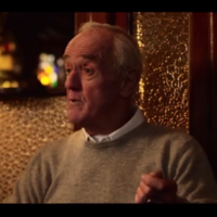 Watch Frank Kelly tell a great short story over a pint