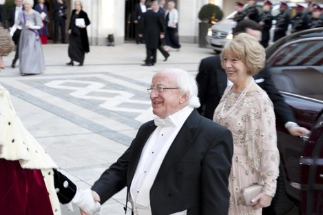 Michael D Higgins and his wife Sabina were greeted by the Lord Mayor of London on arrival at the Guildhall this evening.