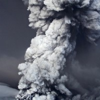 Iceland closes main airport but ash cloud 'not heading to Europe'