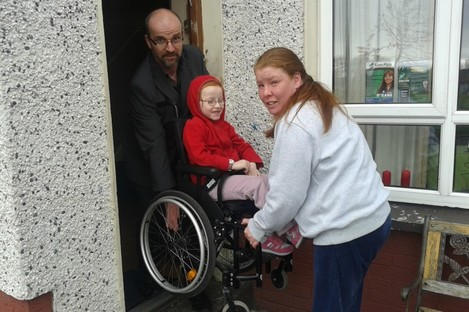 Kady with her mother Wendy and People Before Profit candidate Alan Lawes.