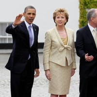 Obama arrives at Farmleigh house to meet with Taoiseach and Tánaiste