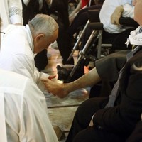 Pope Francis has been washing people's feet ... again