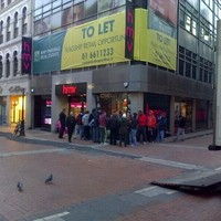 HMV has reopened on Grafton Street... and here was the queue this morning