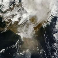 Irish airports remain open but ash cloud disrupts flights to Scotland