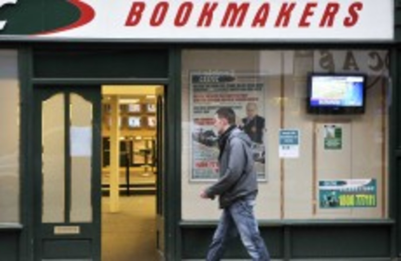 Single manning in bookies