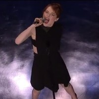 Emma Stone DESTROYS Jimmy Fallon in a lip sync battle