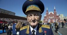 "Pics: ""Hello comrades!"" - Putin celebrates Russia's victory over Nazism by visiting Crimea"