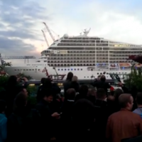 Massive cruise ship plays the opening notes of Seven Nation Army with its horns