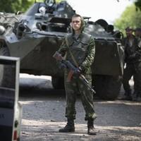 Ukraine starts 'unity talks' as Russia warns of civil war