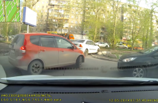 Driver's attempt to skip traffic jam backfires mortifyingly