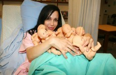 US medical authorities revoke licence of 'Octomom' doctor