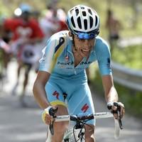 Aru wins Giro 15th stage despite brave effort from Ireland's Deignan