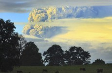 New volcanic ash cloud threatens flight disruptions (in South America)