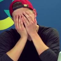 Teens react to terrible 90s internet