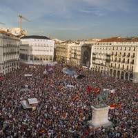"""No more kings!"" - Huge crowds gather to protest against the monarchy in Spain"