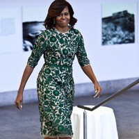 Who pays for Michelle Obama's wardrobe?