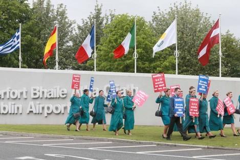 Aer Lingus cabin crew on strike last month