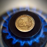 Four-year gas price low drives Irish electricity costs down