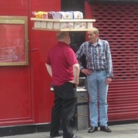 Look at this guy delivering bread in Dublin like a boss