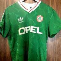 On this day in 1990, EVERYONE was wearing this shirt...