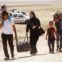 Iraqis flee violence as US considers drone strikes on militants