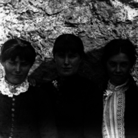 Can you believe these Clare sisters were photographed 127 years ago?