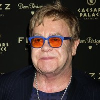 Elton John wants to visit with Putin to talk about gay rights
