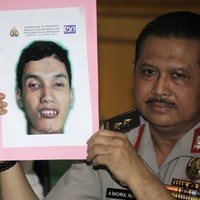 Sixteen arrested in Jakarta over food poisoning terrorist plot