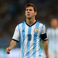 Unmoving Messi, folding arms and star-attachment; the week's best sportswriting