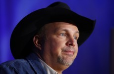 11 of the best Twitter reactions to Garth Brooks pulling the plug