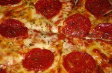 US pilot treats passengers to pizza after storms delay flight