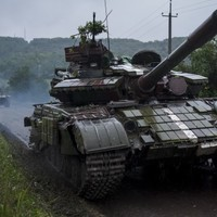 Kiev promises 'restraint' as army nears rebel Donetsk