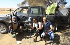 Rebels make fresh advances against Gaddafi forces