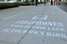 A busy footpath in Washington DC got a 'no mobile phones' lane