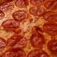 Arrested man orders pizza to police station as a prank, gets in even more trouble