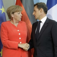 Merkel and Sarkozy want new rescue package for Greece