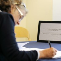 Books of condolence opened in Dublin for Malaysia Airlines flight victims