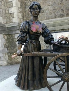 Someone vandalised Molly Malone's cleavage...