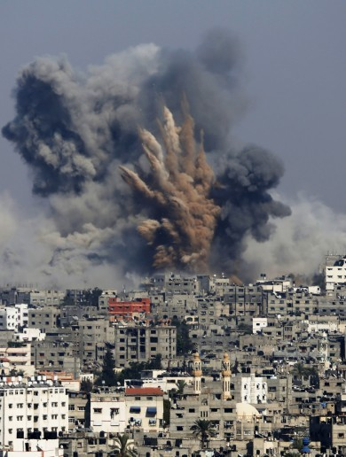 """Over 100"" Palestinians killed as Israel ramps up attacks on Gaza"