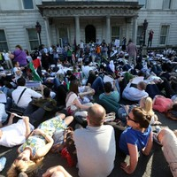 Medical workers in scrubs to protest at 'die-in' Gaza protest in Dublin