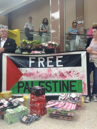 Protesters hold Israel boycott 'die-ins' at several Dublin stores