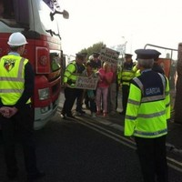 Kilkenny bridge protesters block construction site