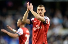 Wenger suggests Man United in for Vermaelen