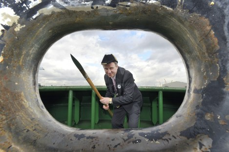 Respect mah authoritah: Dublin's Lord Mayor Gerry Breen re-enacts the 523-year-old 'Casting of the Spear' ceremony at Dublin Bay today.