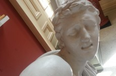 Irish guy makes statues take selfies in Cork art gallery